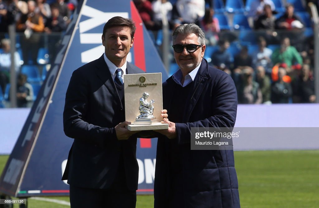 Javier Zanetti of Inter receives a prize from President of Crotone, Gianni Vrenna during the Serie A match between FC Crotone and FC Internazionale at Stadio Comunale Ezio Scida on April 9, 2017 in Crotone, Italy.