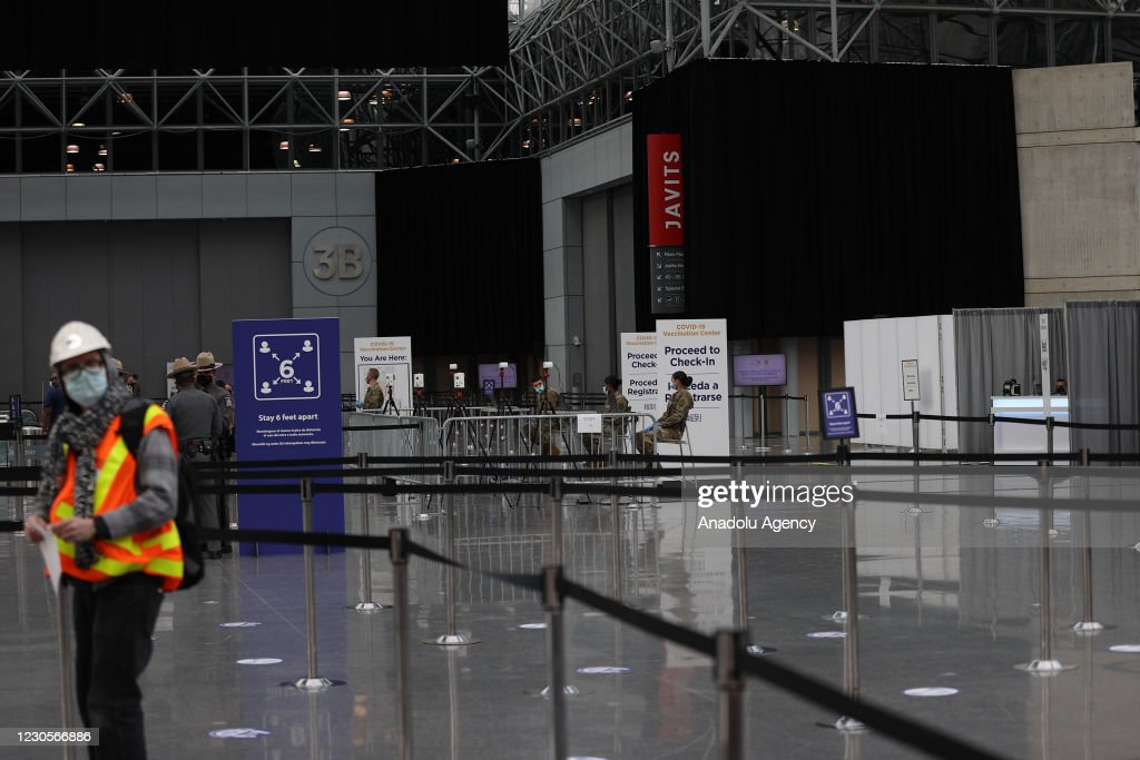 NY State opens COVID-19 vaccination site at Javits Center : News Photo