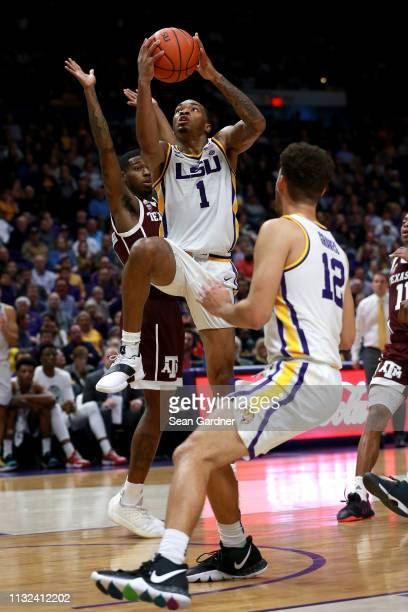Ja'vonte Smart of the LSU Tigers makes a layup during the second half against the Texas AM Aggies at Pete Maravich Assembly Center on February 26...