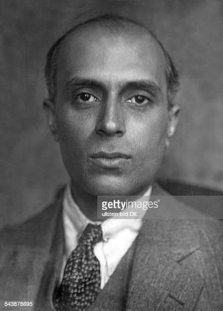 Jawaharlal Nehru Politician India'Pandit' Nehru*14111889Portrait Photographer Dephot Published by 'Berliner Allgemeine Zeitung' Vintage property of...