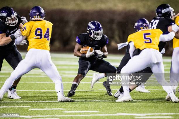 Jawanza EvansMorris of the University of Mount Union rushes the ball during the Division III Men's Football Championship held at Salem Stadium on...