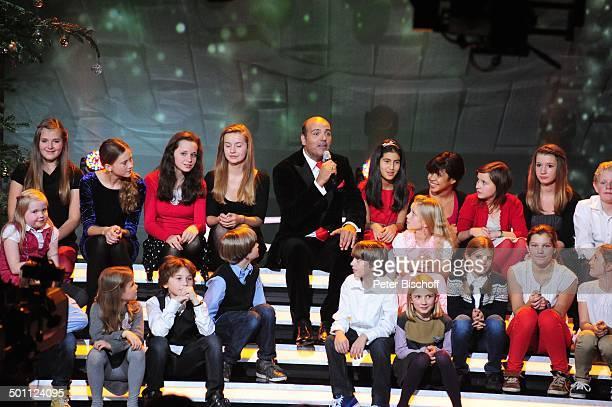 Jay Alexander Kinderchor Lucky Kids ZDFWeihnachtsshow Heilig Abend mit Carmen Nebel Mnchen Bayern Deutschland Europa Bavaria Studios Bhne Auftritt...
