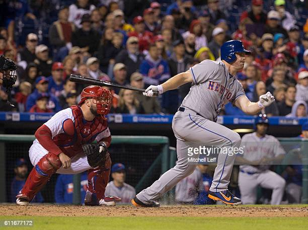 Jay Bruce of the New York Mets hits an RBI single in the top of the fourth inning against the Philadelphia Phillies at Citizens Bank Park on...