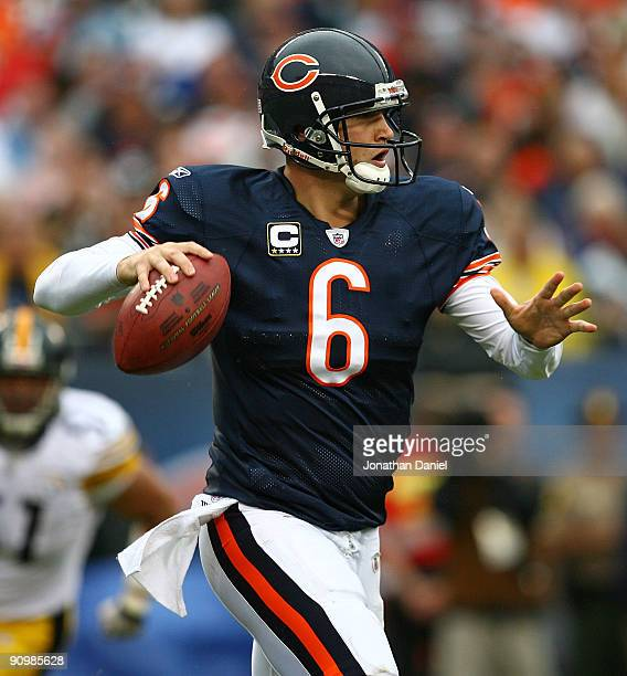 Jay Cutler of the Chicago Bears rolls out to look for a receiver against the Pittsburgh Steelers at Soldier Field on September 20, 2009 in Chicago,...