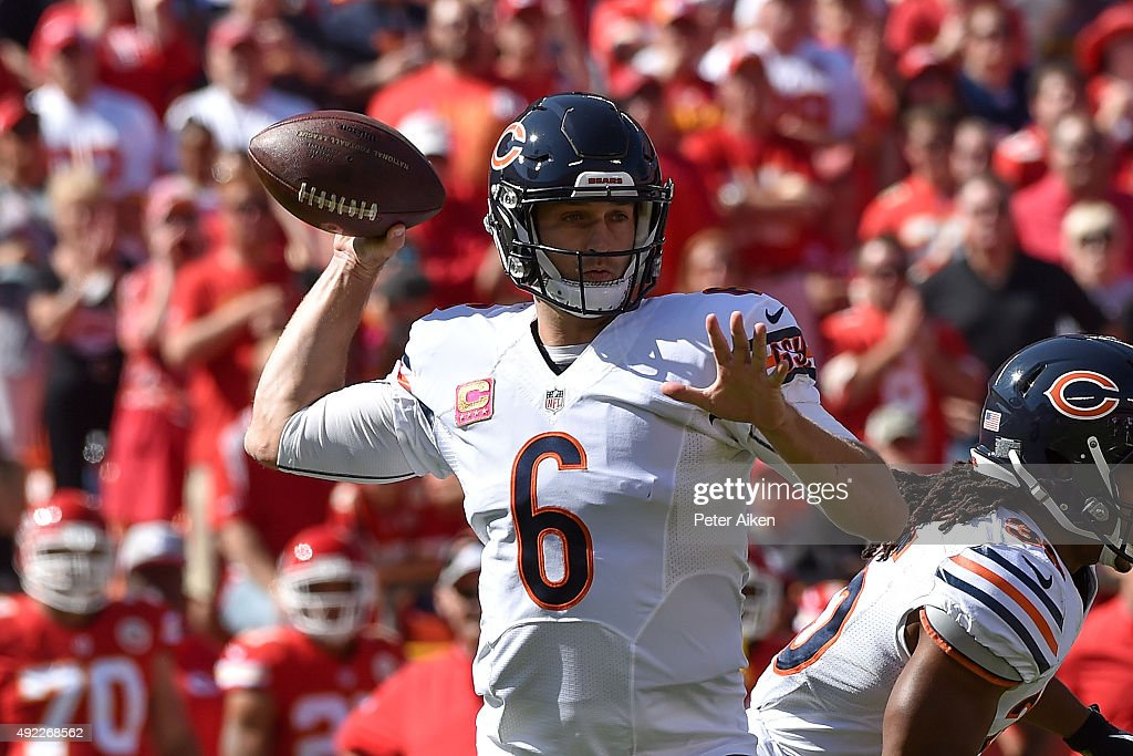 Jay Cutler (6) of the Chicago Bears throws a pass at Arrowhead Stadium during the game on October 11, 2015 in Kansas City, Missouri.