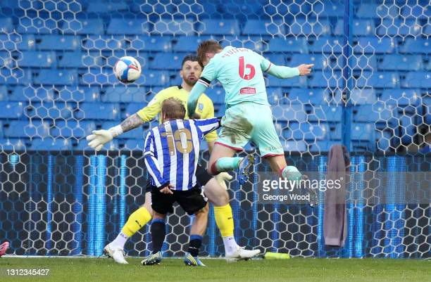 Jay Fulton of Swansea City scores the second goal during the Sky Bet Championship match between Sheffield Wednesday and Swansea City at Hillsborough...