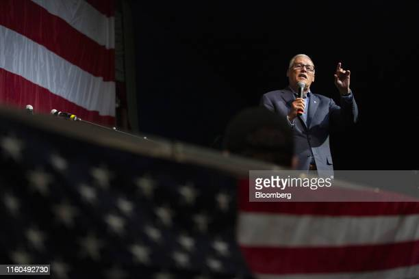 Jay Inslee governor of Washington and 2020 presidential candidate speaks during the Democratic Wing Ding event in Clear Lake Iowa US on Friday Aug 9...