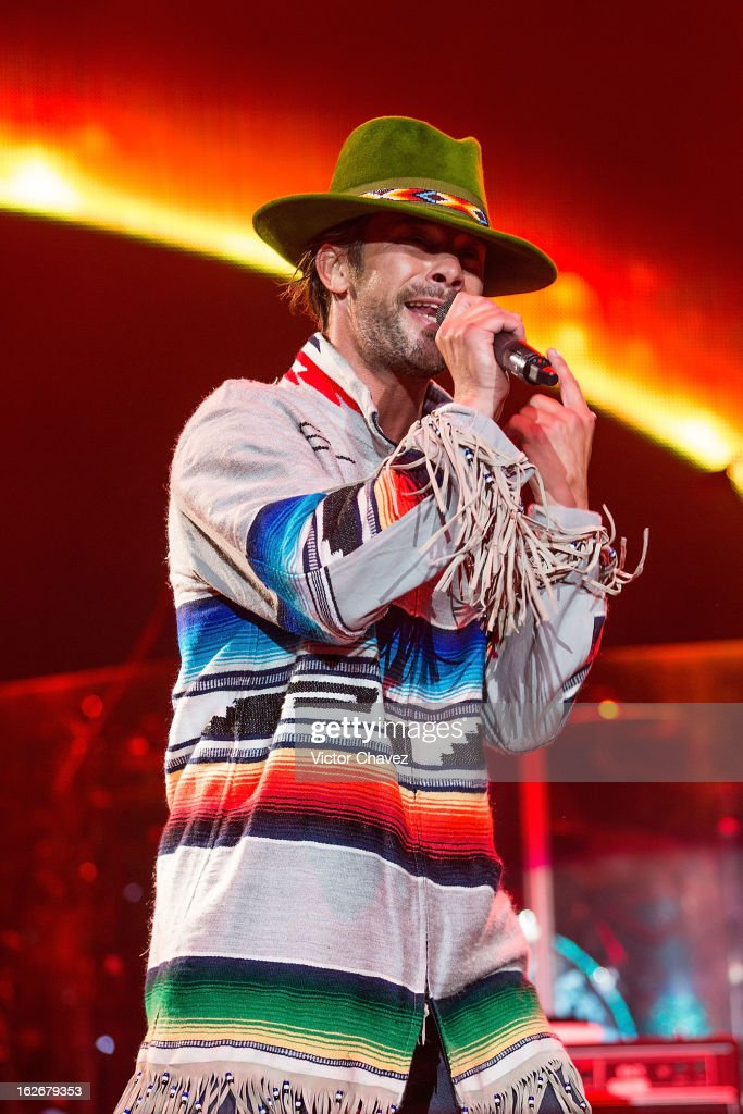 Jay Kay of Jamiroquai performs on stage at Arena Ciudad de Mexico on February 25, 2013 in Mexico City, Mexico.
