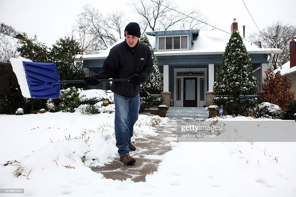 U.S. South Hit By Crippling Winter Storm : News Photo