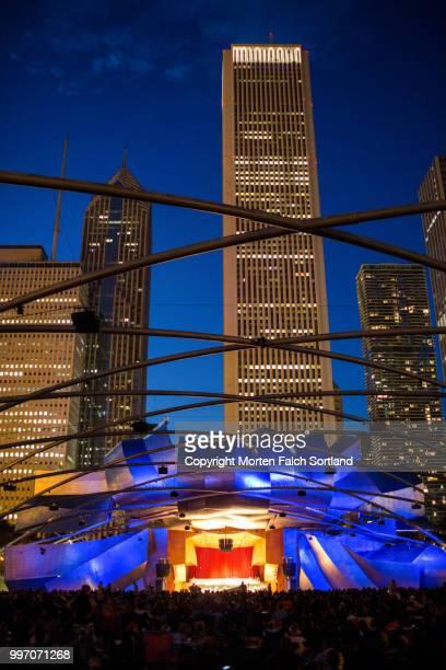 jay pritzker pavilion, chicago, illinois - jay pritzker pavillion stock photos and pictures
