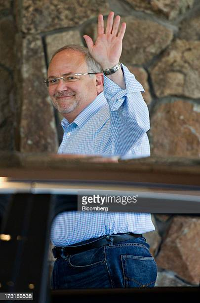 Jay Rasulo chief financial officer of The Walt Disney Co waves while arriving at the Allen Co Media and Technology Conference in Sun Valley Idaho US...