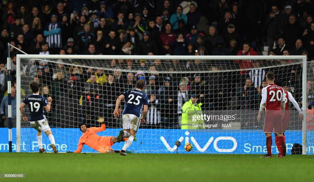 Jay Rodriguez of West Bromwich Albion scores a goal to make it 1-1 from a penalty kick during the Premier League match between West Bromwich Albion and Arsenal at The Hawthorns on December 31, 2017 in West Bromwich, England.