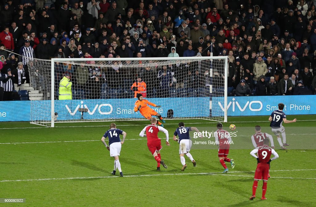 Jay Rodriguez of West Bromwich Albion scores a goal to make it 1-1 from the penalty spot during the Premier League match between West Bromwich Albion and Arsenal at The Hawthorns on December 31, 2017 in West Bromwich, England.