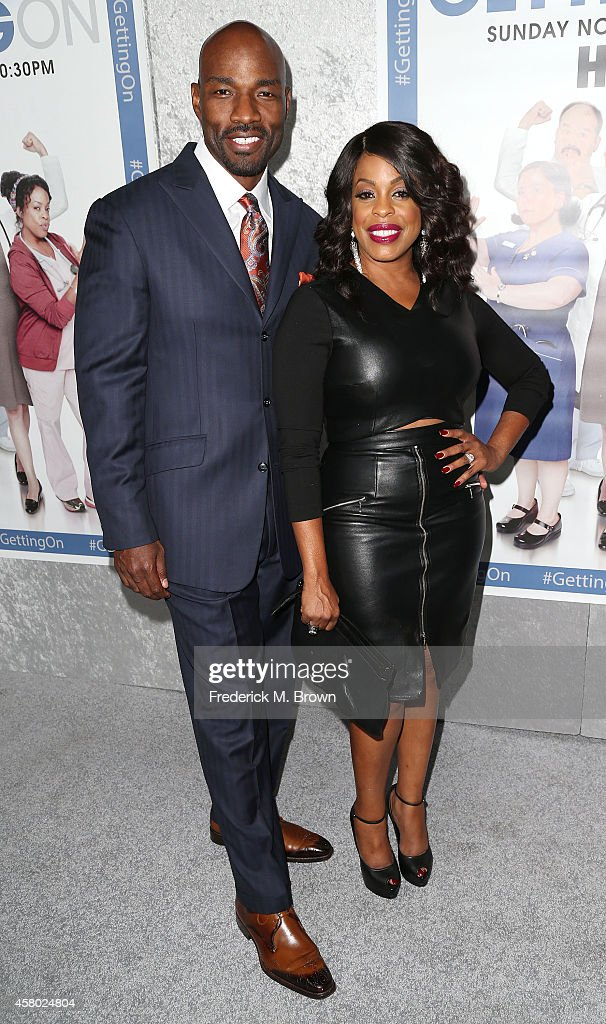 Jay Tucker (L) and actress Niecy Nash attend the Premiere of HBO's 'Getting On' Season 2 at the Avalon on October 28, 2014 in Hollywood, California.