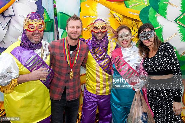 Jay Williams musician Dierks Bentley Jon Randall Stewart Jessi Alexander and Cassidy Black take a photo before boarding their float in the 2015 Krewe...