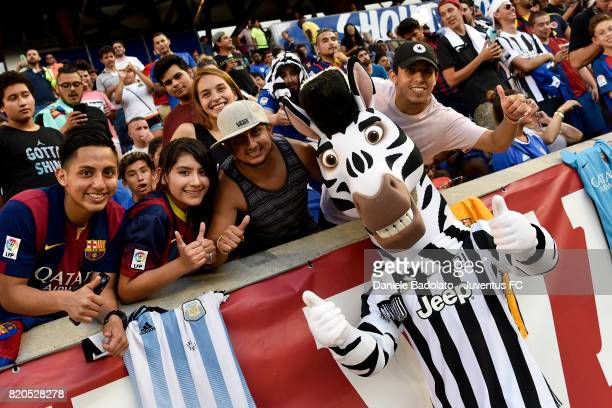 Jay with supporters at a training session during the Juventus Summer Tour on July 21 2017 in New York City