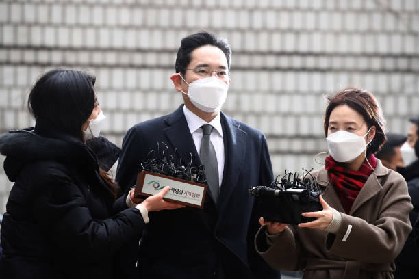 KOR: Samsung Electronics Vice Chairman Jay Y. Lee Appears at Court for Verdict on Corruption Charges