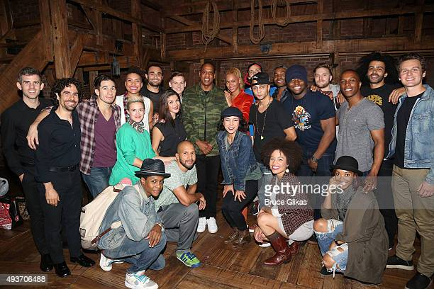 Jay Z and Beyonce pose with the cast backstage at the hit musical Hamilton on Broadway at The Richard Rogers Theater on October 21 2015 in New York...
