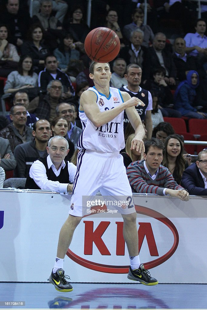 Jaycee Carroll #20 of Real Madrid in action during the 2012-2013 Turkish Airlines Euroleague Top 16 Date 7 between Anadolu EFES Istanbul v Real Madrid at Abdi Ipekci Sports Arena on February 14, 2013 in Istanbul, Turkey.