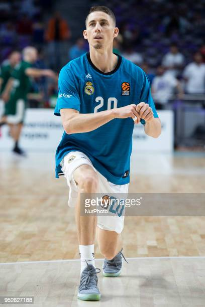 Jaycee Carroll of Real Madrid warms up prior the Turkish Airlines Euroleague Play Offs Game 4 between Real Madrid v Panathinaikos Superfoods Athens...
