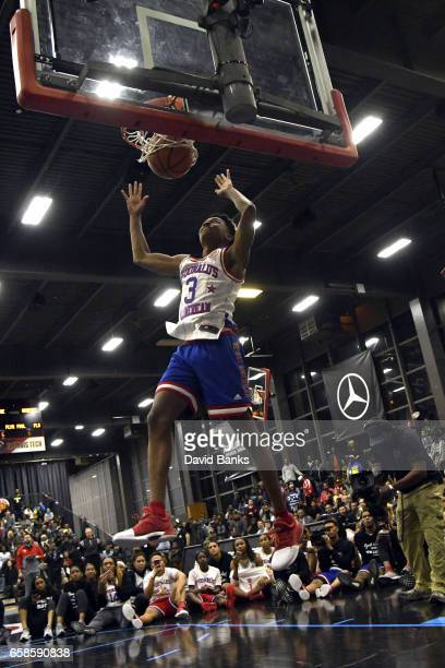Jaylen Hands dunks during the 2017 McDonald's All American games POWERADE Jam Fest on March 27 2017 at the Illinois Institute of Technology in...