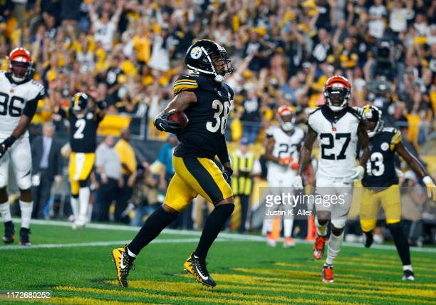 Jaylen Samuels of the Pittsburgh Steelers rushes for a 2 yard touchdown in the third quarter against the Cincinnati Bengals on September 30, 2019 at...