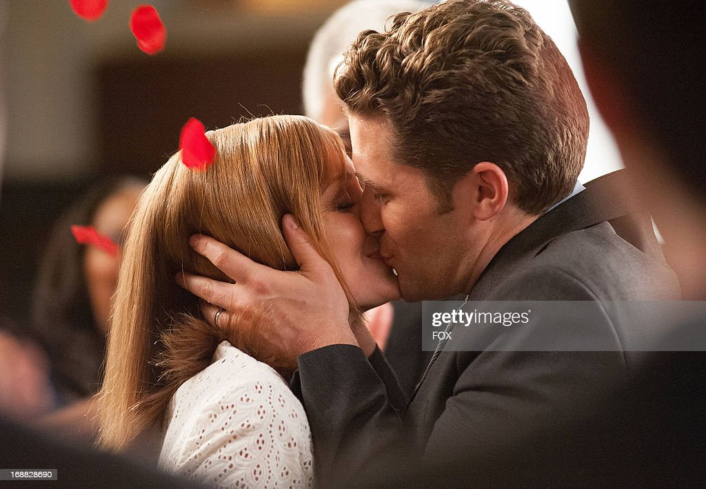 Jayma Mays (L) and Matthew Morrison star in the 'All or Nothing' episode of GLEE airing Thursday, May 9, 2013 (9:00-10:00 PM ET/PT) on FOX.