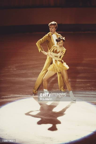 Jayne Torvill and Christopher Dean of Great Britain performing their Barnum ice dance routine on 2 February 1983 at the Richmond Theatre in Richmond...