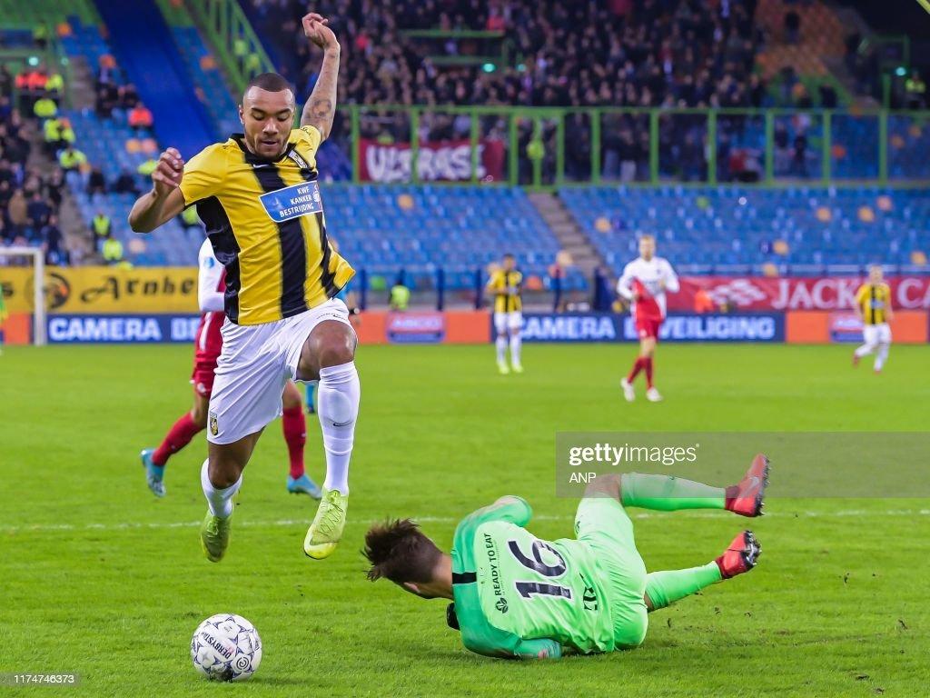 Jay Roy Grot Of Vitesse Fc Utrecht Goalkeeper Maarten Paes During News Photo Getty Images
