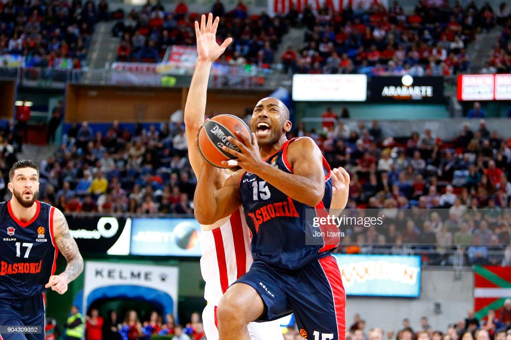 Jayson Granger, #15 of Baskonia Vitoria Gasteiz in action during the 2017/2018 Turkish Airlines EuroLeague Regular Season Round 17 game between Baskonia Vitoria Gasteiz and Olympiacos Piraeus at Fernando Buesa Arena on January 12, 2018 in Vitoria-Gasteiz, Spain.