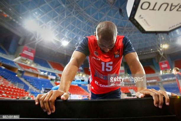 Jayson Granger #15 of Baskonia Vitoria Gasteiz warm up during the 2017/2018 Turkish Airlines EuroLeague Regular Season Round 26 game between Baskonia...