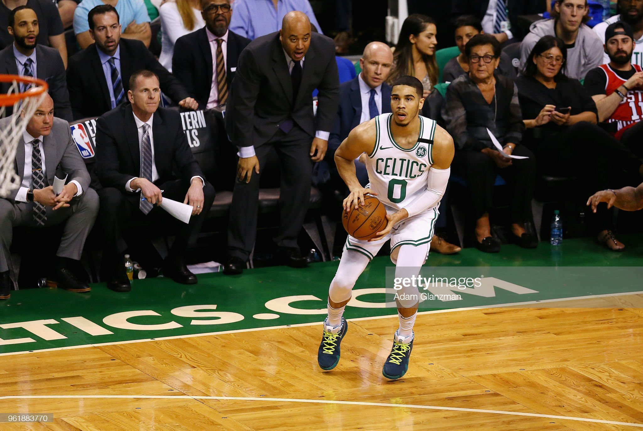 Cleveland Cavaliers v Boston Celtics - Game Five : News Photo