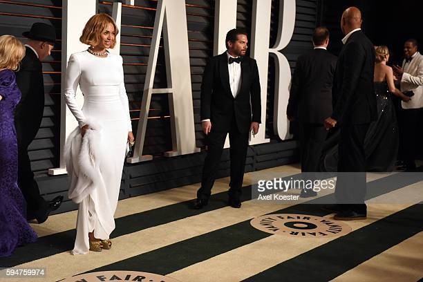 JayZ and Beyonce attend the 2015 Vanity Fair Oscar Party hosted by Graydon Carter at the Wallis Annenberg Center for the Performing Arts on February...