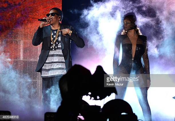 JayZ and Beyonce perform during the On The Run Tour Beyonce And JayZ at MetLife Stadium on July 11 2014 in East Rutherford New Jersey