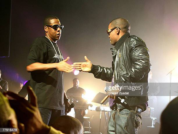 JayZ performs with Nas during JayZ's Concert at The Apollo on November 13 2007 in New York