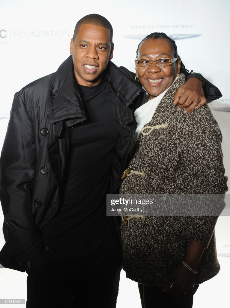 """The Shawn Carter Foundation Hosts An Evening of """"Making The Ordinary Extraordinary"""" : News Photo"""