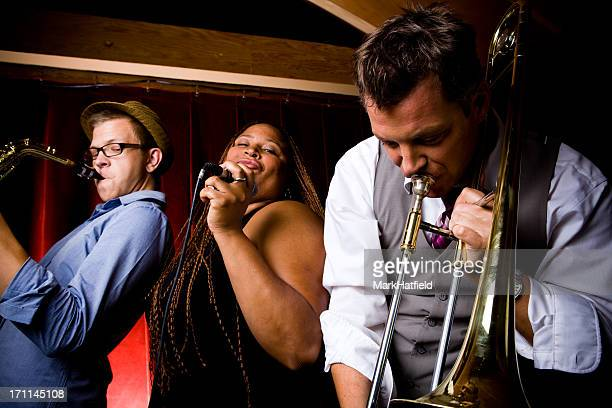 jazz band with lead singer - lead singer stock pictures, royalty-free photos & images