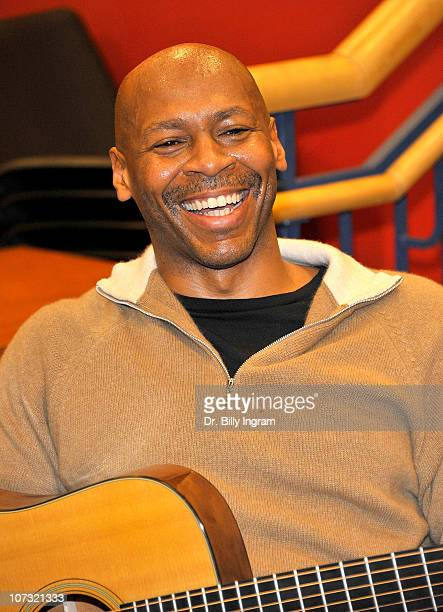 Jazz guitarist Kevin Eubanks former 'Tonight Show' bandleader performs songs from his new CD 'Zen Food' at Borders Books Music on December 3 2010 in...