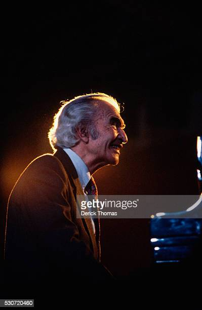 Jazz Pianist Dave Brubeck performs