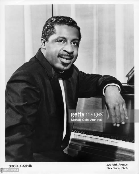 Jazz pianist Erroll Garner poses for a portrait circa 1955 in New York City New York