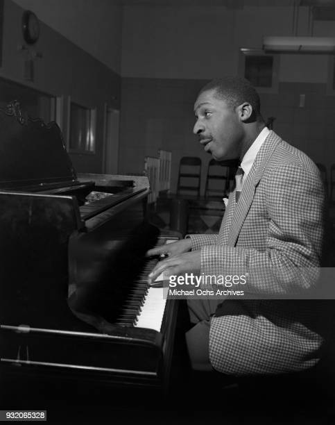 Jazz pianist Erroll Garner rehearses in the studio on February 26 1946 in Los Angeles california Photo by Ray Whitten/Michael Ochs Archives/Getty...