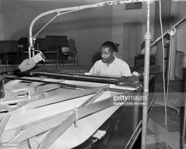 Jazz pianist Erroll Garner rehearses in the studio on July 26 1946 in Los Angeles california Photo by Ray Whitten/Michael Ochs Archives/Getty Images