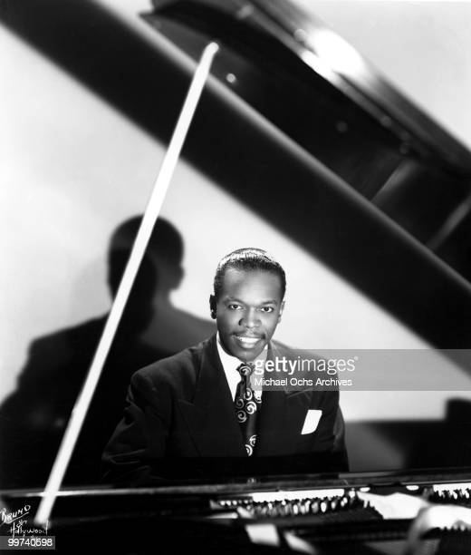 Jazz Pianist Henry 'Hank' Jones poses for a portrait circa 1945 in New York City New York