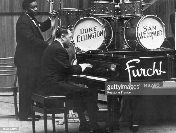 Jazzman Duke ELLINGTON at the piano giving a concert with his group at the GIUSEPPE VERDI Conservatory in Milan on February 21 1963 Also pictured the...