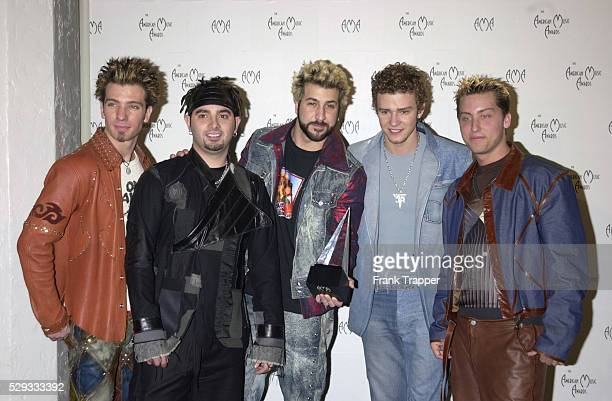 JCChasez Chris Kirkpatrick Joey Fatone Justin Timberlake and Lance Bass of N'Sync with their award