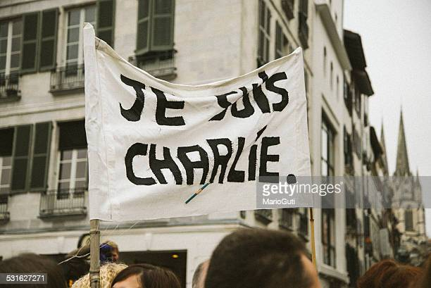 je suis charlie - paris fury stock pictures, royalty-free photos & images