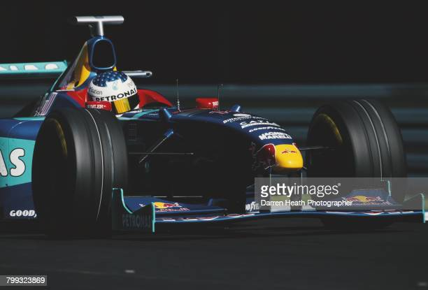 Jean Alesi of France drives the Red Bull Sauber Petronas Sauber C17 Petronas V10 during the Formula One German Grand Prix on 2 August 1998 at the...