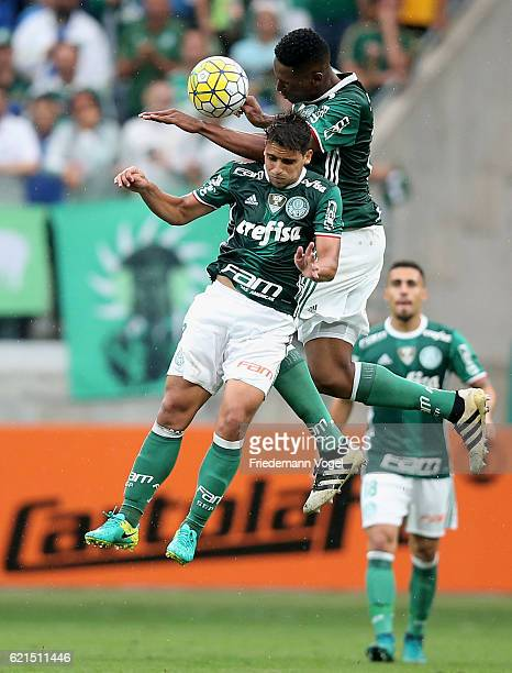 Jean and Yerry Mina of Palmeiras fights for the ball during the match between Palmeiras and Internacional for the Brazilian Series A 2016 at Allianz...