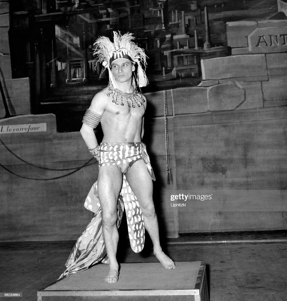 Jean Babilee in 'Le Cameleopard'. Music of H. Sauguet. Argument and choreography of Jean Babilee. Paris, Theatre des Champs-Elysees, June 1956. LIP