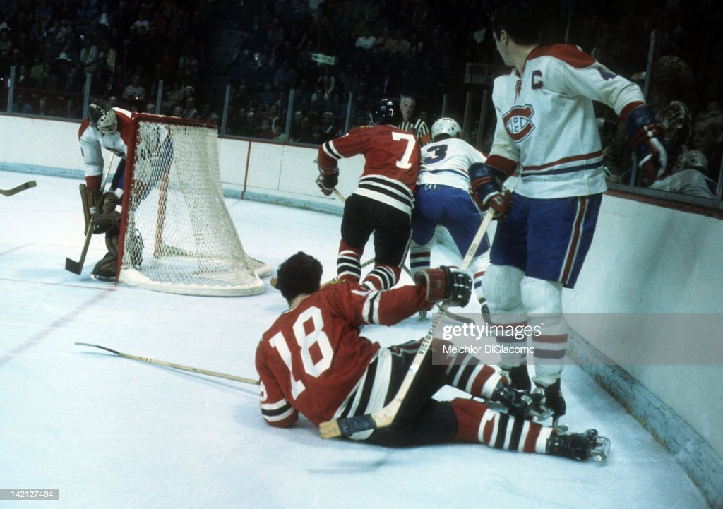 1971 Stanley Cup Finals:  Chicago Blackhawks v Montreal Canadiens : News Photo